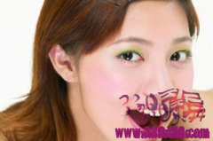 口腔扁平苔藓是什么原因造成的