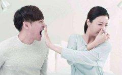 嘴巴里有股尿骚味是怎么回事?