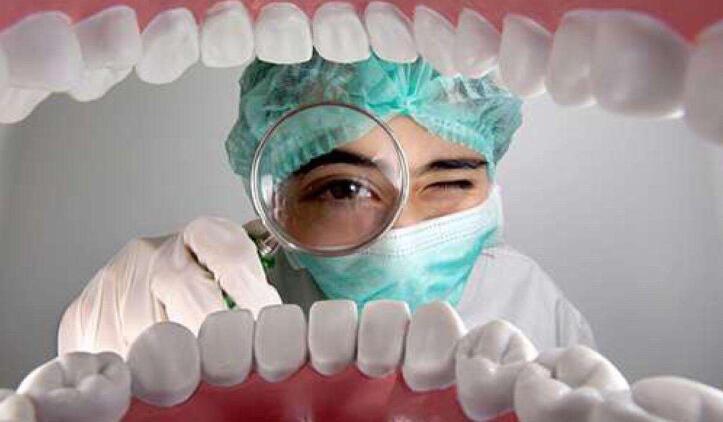 口腔溃疡的原因大部分是湿气重