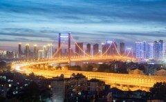 武汉是一座英雄的城市!武汉会好起来的!